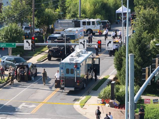 Полиция работает на месте преступления в городе Аннаполисе.