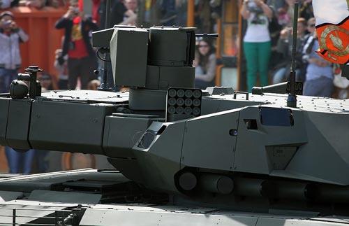 Отслеживающие противника радары с активной фазированной решеткой (АФАР) на башне танка Т-14. Источник: wikipedia.org