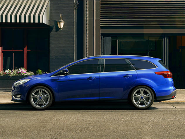 Ford Focus. Компактный автомобиль американской компании Ford. В России с 1999 года произведено и продано 500 000 экземпляров. В 2010 году был самой продаваемой иномаркой в России, а в Европе стабильно входит в десятку самых продаваемых автомобилей. Обладатель премии «Автомобиль года в России 2012» в номинации «Малый средний класс».