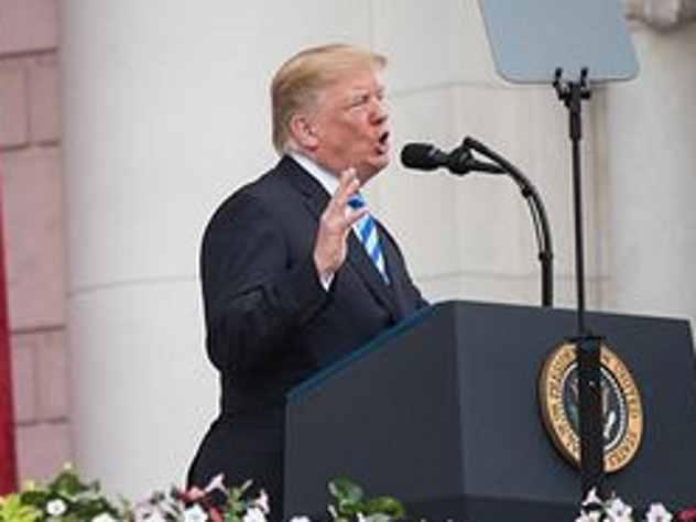 Президент США Дональд Трамп на саммите «Большой семерки» позволил себе ряд нелицеприятных высказываний в адрес лидеров других государств.