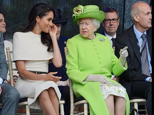 Королева Елизавета и герцогиня Сассекса в одинаковых сережках.