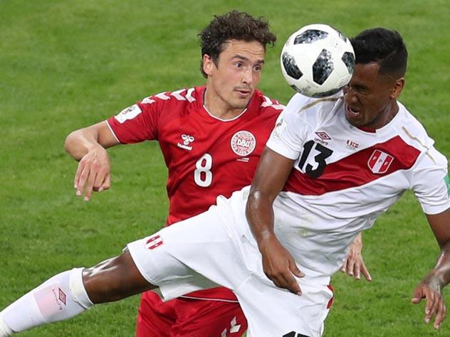 Сборная Дании одержала победу над командой Перу в матче первого тура ЧМ-2018