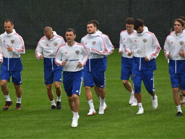 Стал известен стартовый состав сборной России в матче с Саудовской Аравией