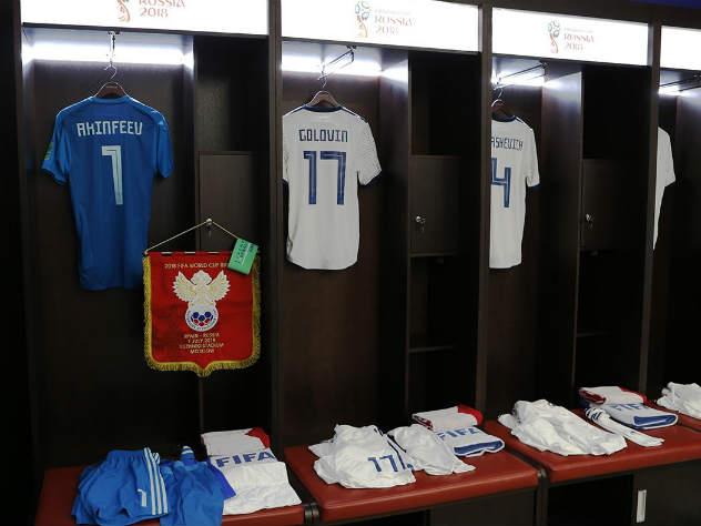 Черчесов объявил стартовый состав сборной на матч с Испанией