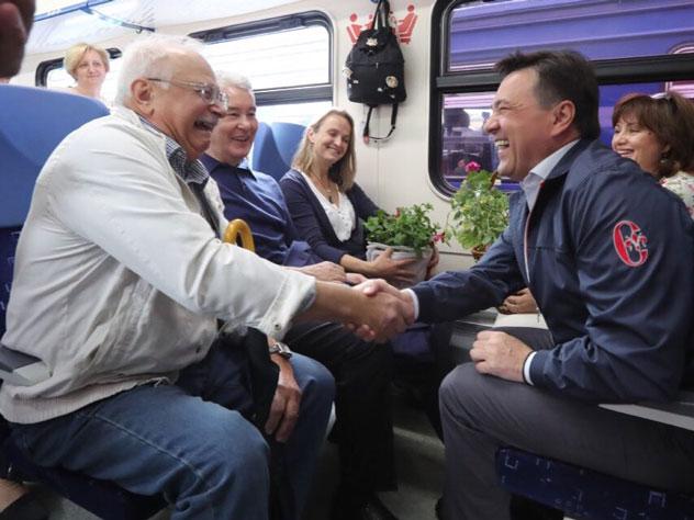 Льготники Подмосковья и столицы будут ездить в пригородных поездах бесплатно