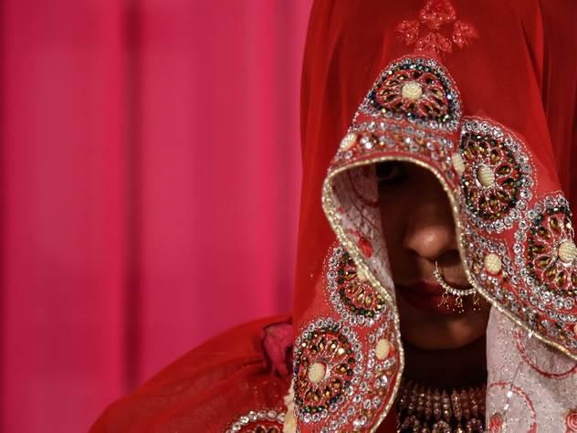 Индийская невеста отказалась от жениха из-за молнии в грозу