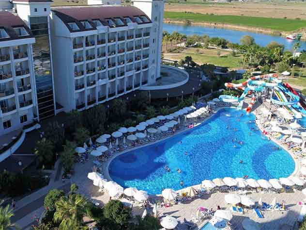 Турецкий отель подает на российскую туристку в суд за клевету