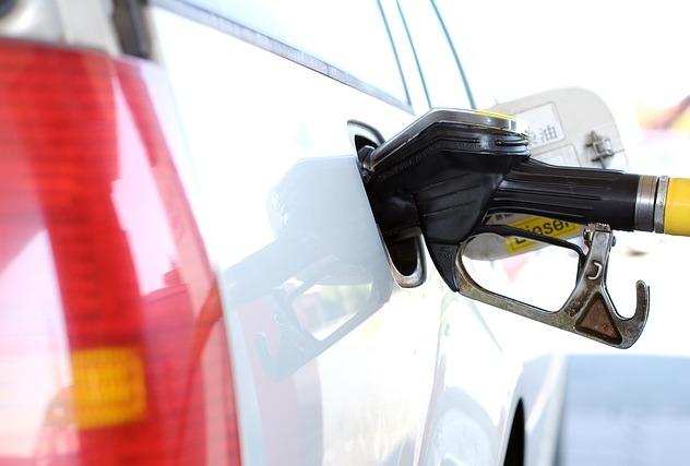 На большинстве АЗС качество топлива не соответствовало заявленным стандартам.