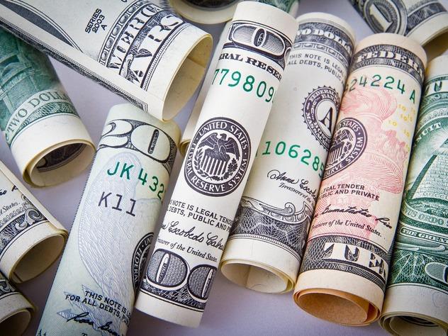 отказ от доллара при торговле нефтью невыгоден