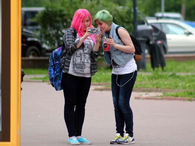 Руководство школы не вправе диктовать на цвет и длину волос.