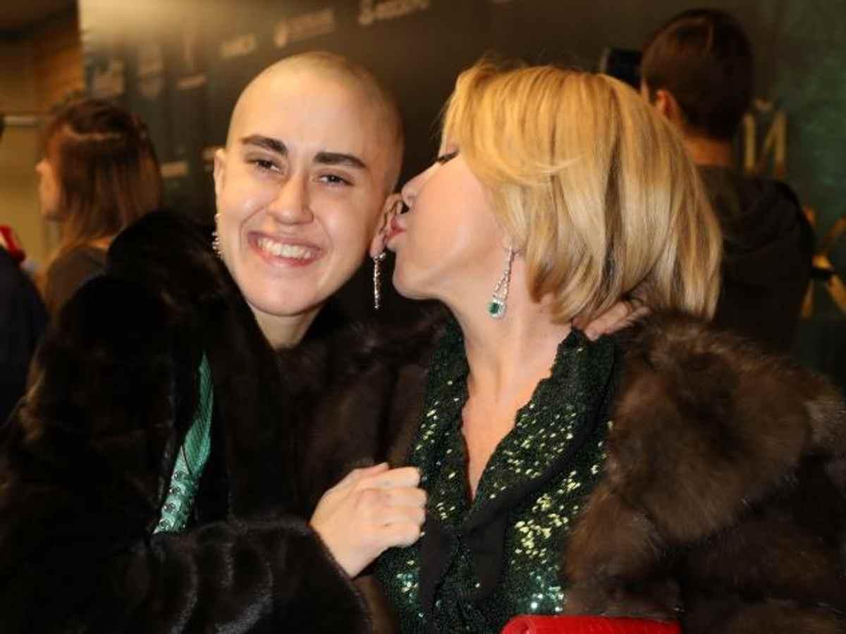Дочь Успенской попросила певицу о прощении