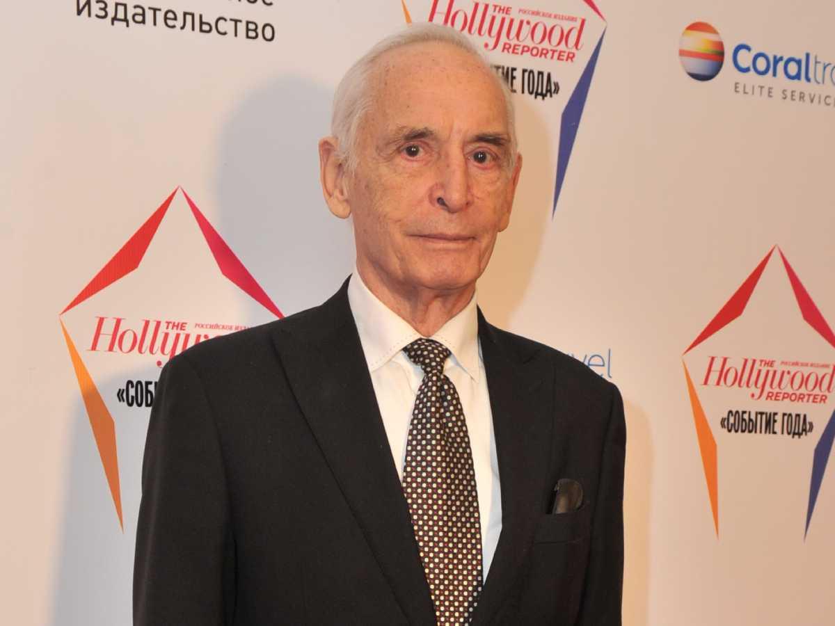 Длинный гроб и аплодисменты: Василия Ланового проводили в последний путь