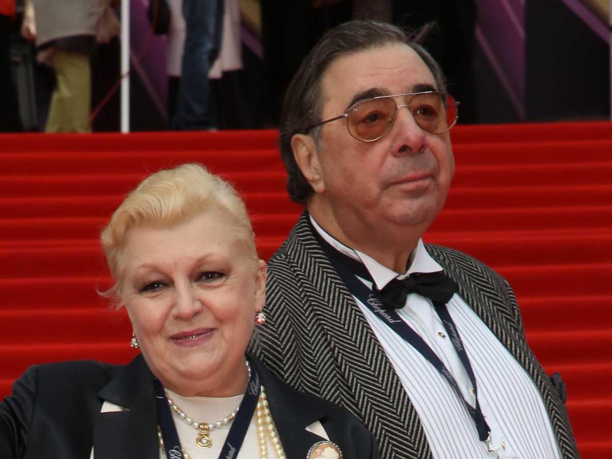 Баталовым запретили встречаться с Цивиным и Дрожжиной