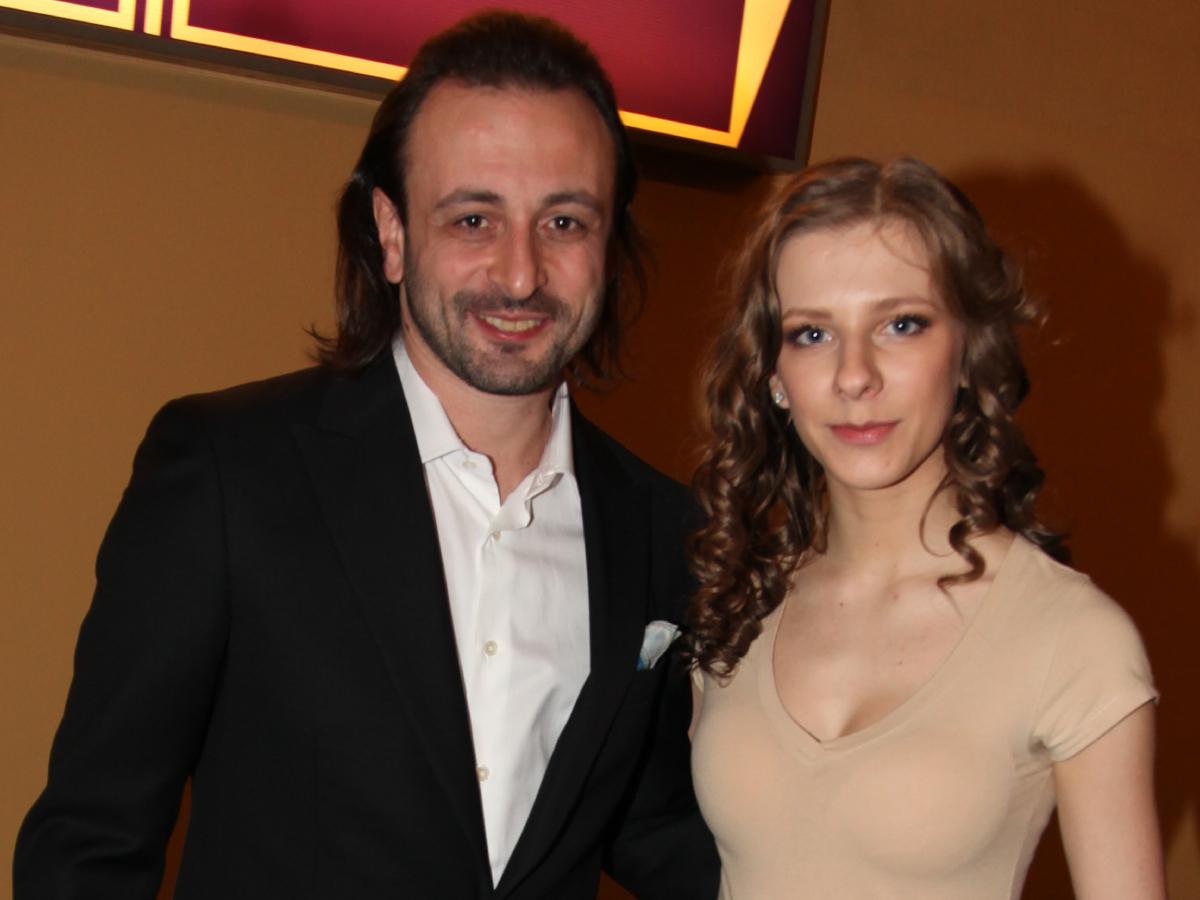 «Невозможно было не влюбиться»: беременная Арзамасова рассказала о первой встрече с Авербухом в 15 лет