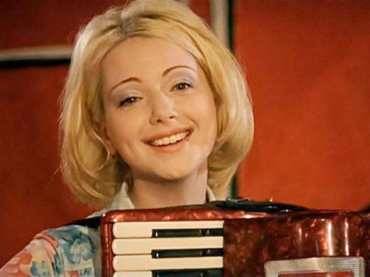 Ушла из кино и помогает детдомовцам: куда пропала звезда сериала «Граница. Таежный роман» Ольга Будина